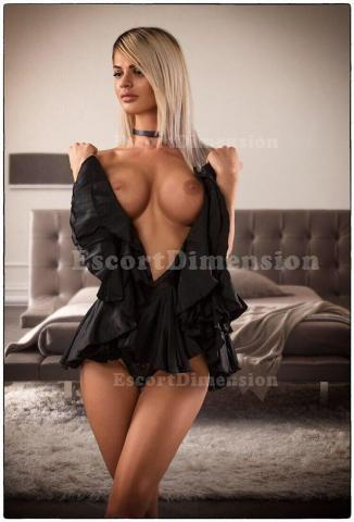 ADELYNA SUPERSTAR escort Civitanova Marche 1